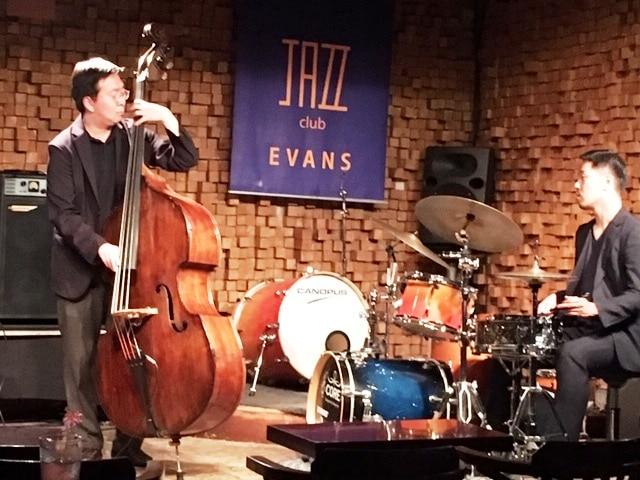 """Jazz ist international. In Seoul ist das Publikum nur unter 30 – geringe """"Zauseldichte""""."""